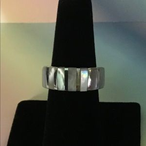 Inlaid Mother of Pearl Ring in 925 Sterling Silver